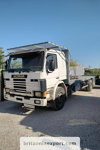 Used 1993 SCANIA P93 H 250 6X2 air con flatbed truck