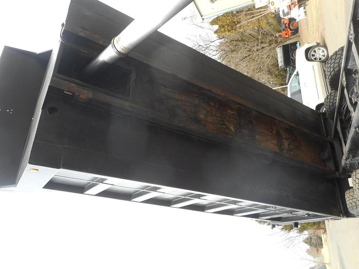 2004 Mack Granite CV-713- Stock #: 4780B