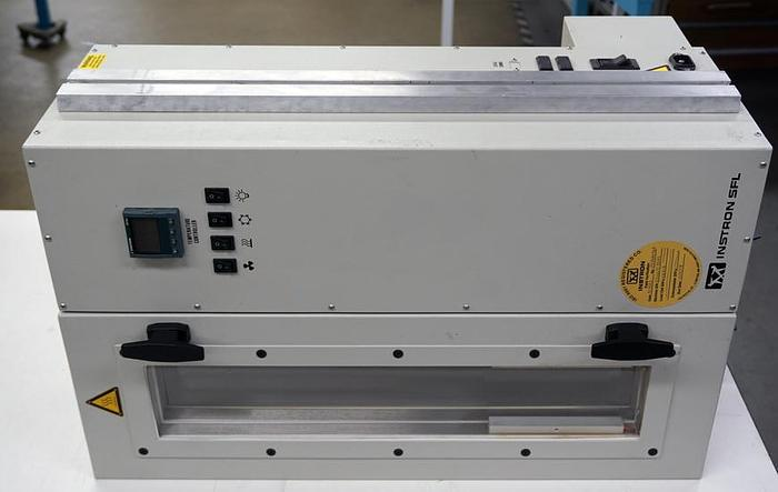 Used Instron temperature chamber