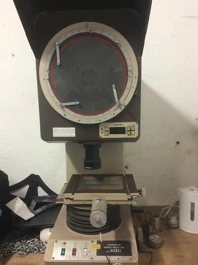Used Used Mitutoyo PJ-311 Profile Projector