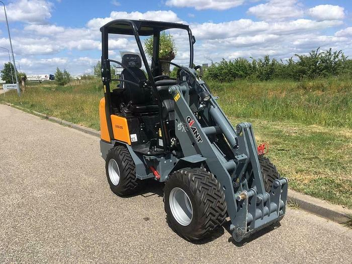 Used GIANT D263S
