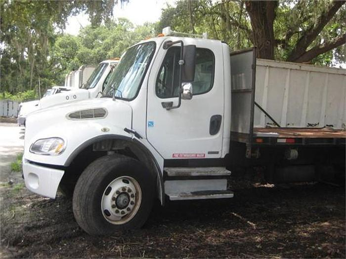 Used 2005 FREIGHTLINER BUSINESS CLASS M2 106