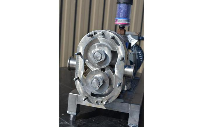 USED WAUKESHA ROTARY LOBE PUMP, MODEL 030-U1, 316L STAINLESS STEEL