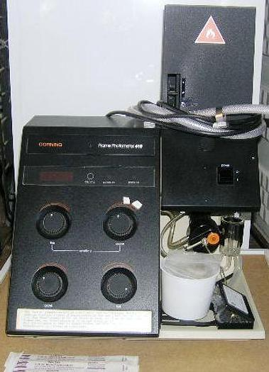 Used Flame Photometer M410, CORNING MEDICAL & SCIENTIFIC + manual