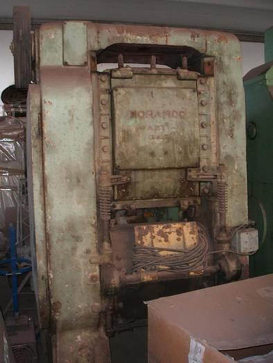 Used ROOF TILE PRESS MORANDO MOD. PRESSMATIC 6 F