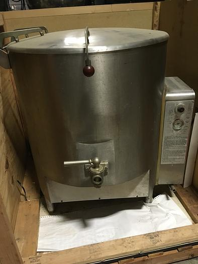 "Used VULCAN #GL60E 60 GAL. NAT. GAS STEAM KETTLE WITH S/S COVER, 1.5"" TANGENT DRAW OFF VALVE, only @ AMERICA'S STEAM KETTLE HEADQUARTERS ! (STOCK #573)."