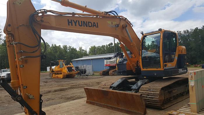 2015 HYUNDAI ROBEX 235 LCR-9A