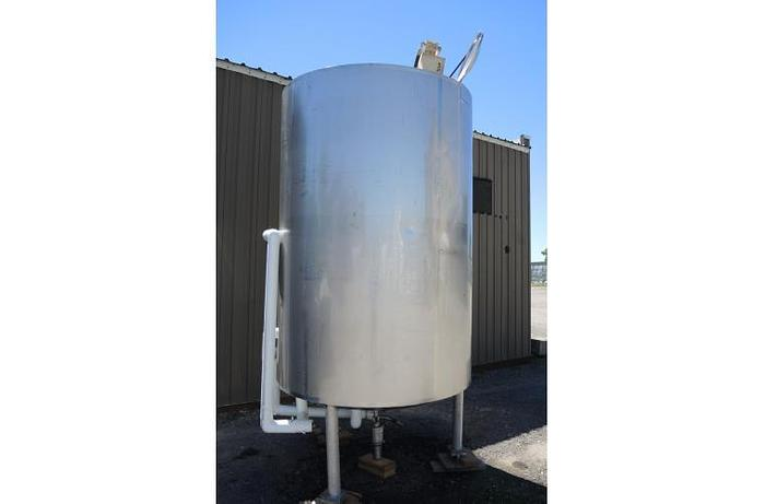 USED 1100 GALLON JACKETED TANK, STAINLESS STEEL, SANITARY, WITH HYDRAULIC MIXER