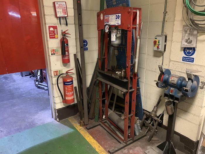 Used SEALEY YK30 30T Hydraulic  Floor Press