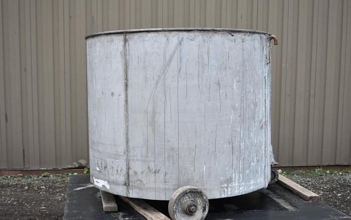 USED 390 GALLON TANK, STAINLESS STEEL