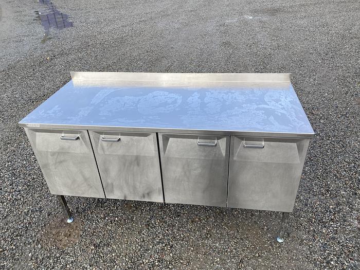 Begagnad Arbetsbord med hyllor 160x65cm