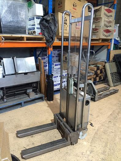 Used AUSMADE MINI STACKER Material Handling