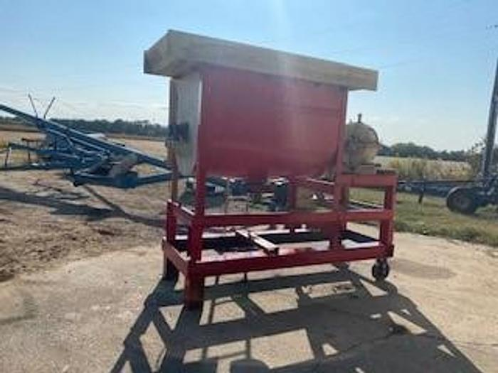 Used 50 CU. FT. RIBBON BLENDER – 7.5 HP MOTOR – MOUNTED ON BASE WITH WHEELS (#9775)