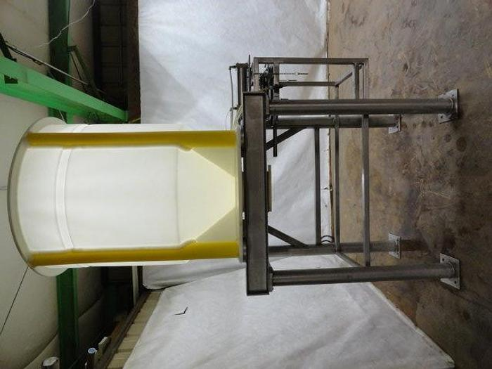 Used MTD Inc. Plastic Ingredient Tote; 250G