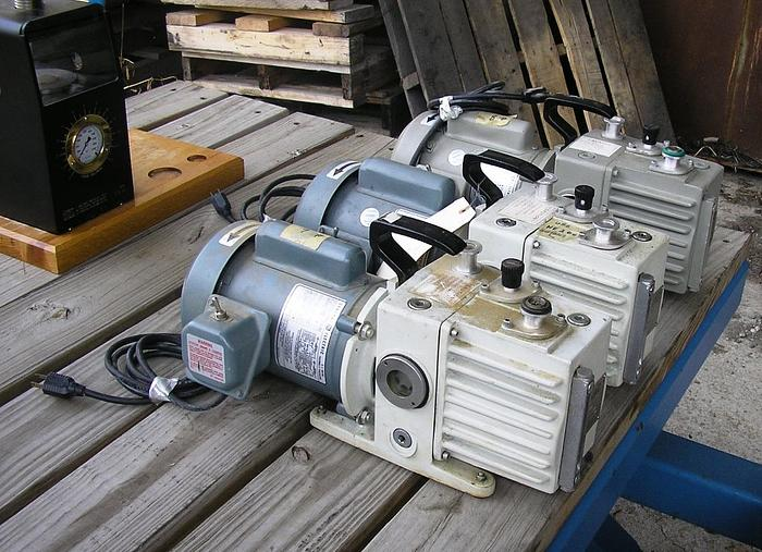 Used Leybold Hereaus Trivac Vacuum Pump