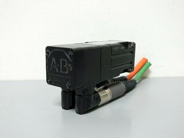 Used Allen Bradley MPL-B1520U-VJ74AA Kinetix Brushless AC Servo Motor 460V 7000 Rpm