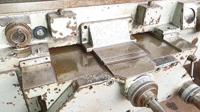 TOS FA5V Vertical Milling Machine