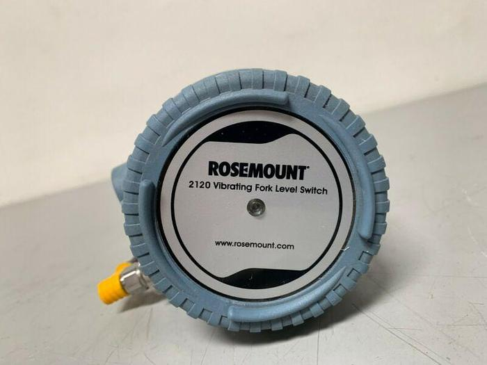 "Used Rosemount 2120 Vibrating Fork Liquid Level Switch 2120D5RV1NADE0165 w/ 16"" Probe"