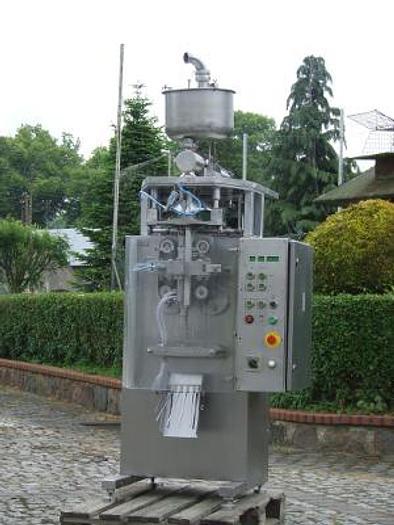 Używane Maszyna do pakowania produktów płynnych w worki polietylenowe ASG-3