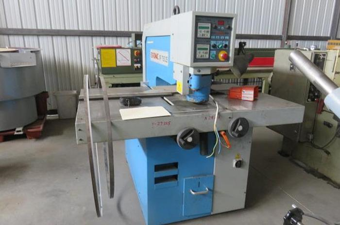 Euromac XP 750/25 Punch Press, Includes Tooling XP 750/25