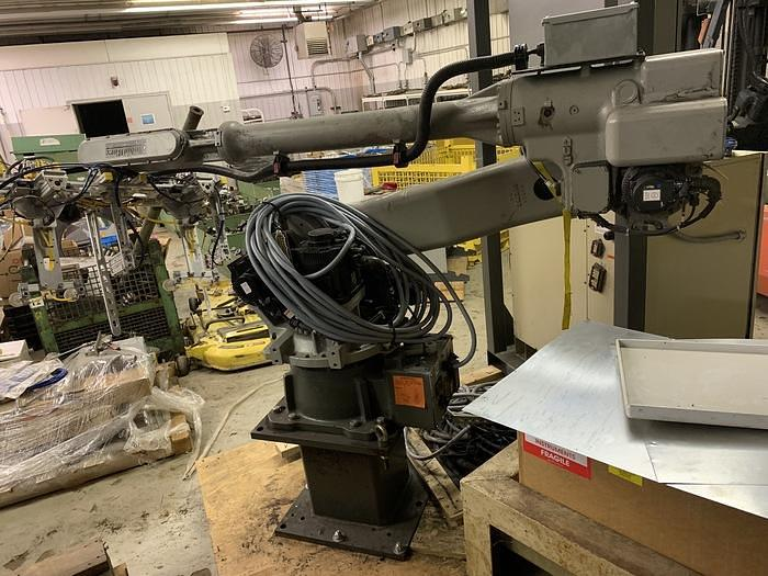 Used MOTOMAN MH50 6 AXIS CNC ROBOT WITH DX100 CNC CONTROLLER