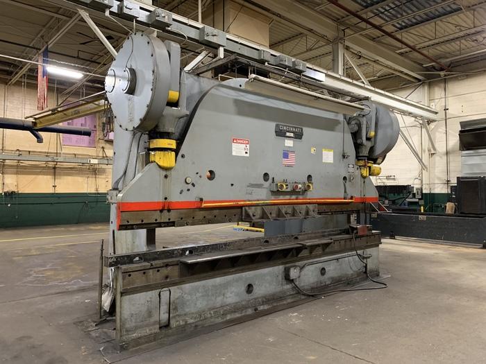 400 ton Cincinnati Mechanical Press Brake