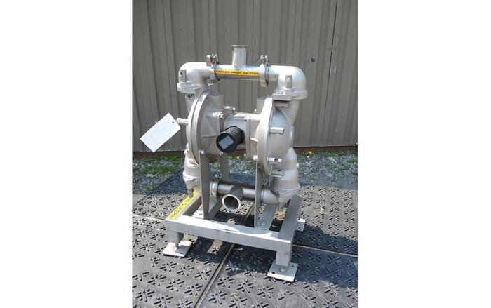 "Used USED DIAPHRAGM PUMP, 2.5"" X 2"" INLET & OUTLET, STAINLESS STEEL, SANITARY"