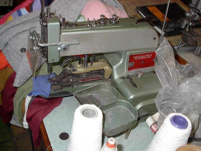 Gebraucht Knopfannähmaschine  LEWIS  200-1 Ösenknöpfe, 2+4-Loch