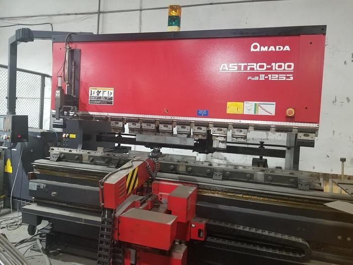 Used 2001 138 Ton Amada Astro-100 FBD-III-1253 CNC Robotic Press Brake