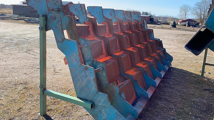 Used Ingvar Persson Log step feeder