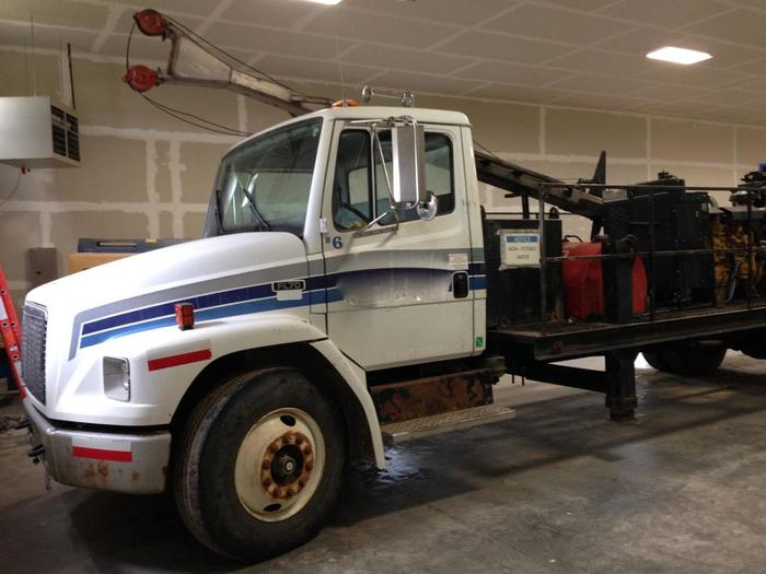 HB14206 A5 Zinex Diamond Core Drill on Freightliner Truck