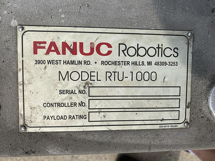 2001 FANUC RTU-1000 7TH AXIS ROBOT TRACK 500KG X 26' TRAVEL