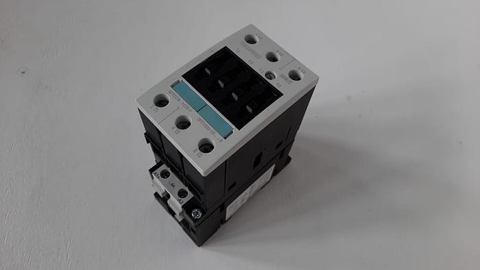 Siemens 3RT1038