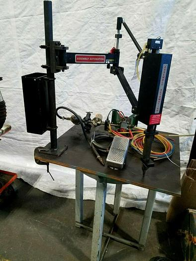 Used Assembly Automation Automatic Screwing Fastening Device with Ergonomic Arm