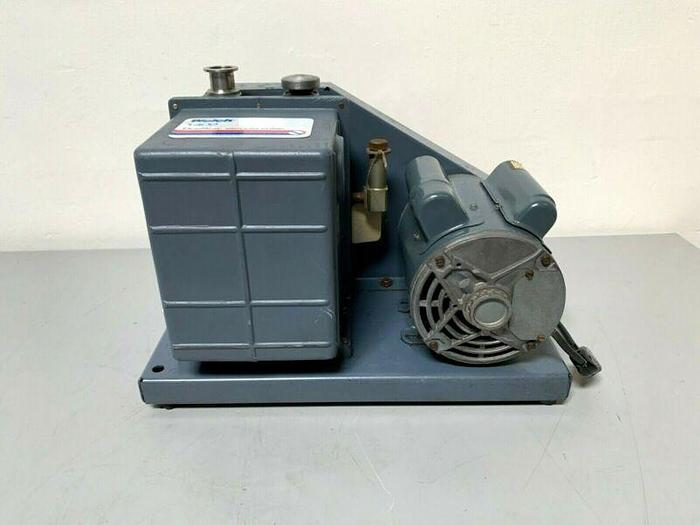 Used Welch 1402 DuoSeal Rotary Vane Vacuum Pump