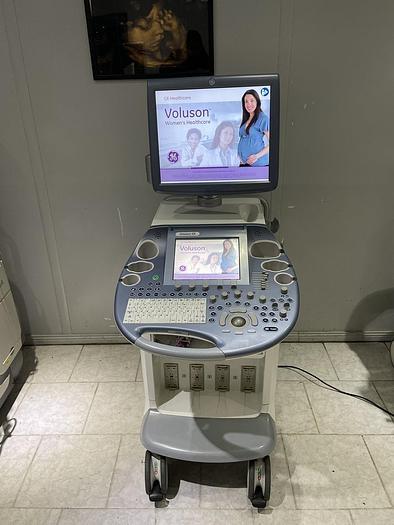 Gebraucht GE Voluson E8 Ultraschallgerät mit  2x neue Sonde + 1x gebrauchte sonde + Sony Drucker