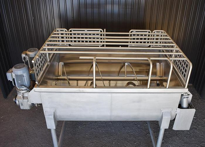 USED DOUBLE RIBBON BLENDER, 80 CUBIC FEET, STAINLESS STEEL