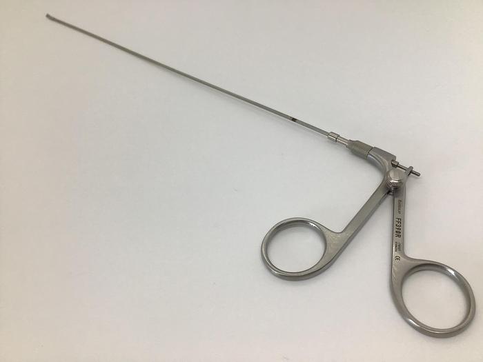 Scissor Micro Blunt Point Blunt Point 2.10mm Diameter 340mm AESCULAP FF390R