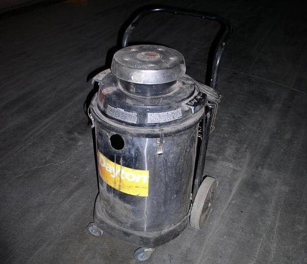 Used Dayton Model 3Z711G Industrial Vacuum Cleaner