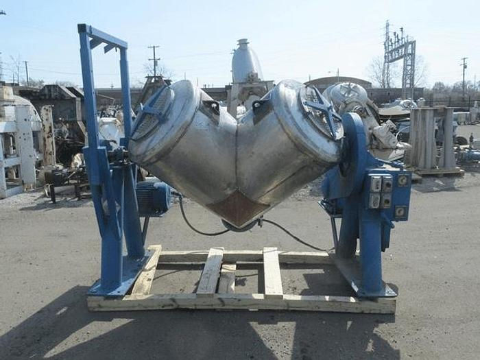 Used 20 CU. FT. P-K TWIN SHELL BLENDER -S/S – LIQUID FEED