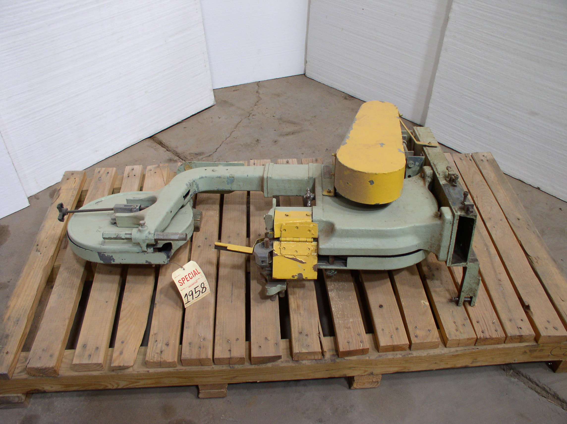 "14"" Rockwell/Delta Model LBS2B Vertical Band Saw"