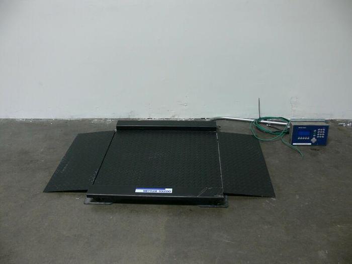 "Used Mettler Toledo IND560 Harsh 500lb Scale Terminal w/ 30"" x 38"" Platform + Ramps"