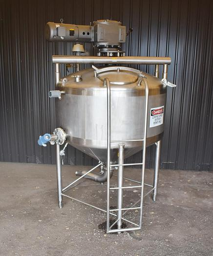 Used USED 600 GALLON 304 STAINLESS STEEL TANK, WITH SWEEP AGITATION, FIXED & ROTATING BLADES