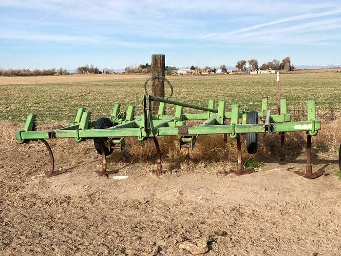 Used 13' John Deere Chisel Plow
