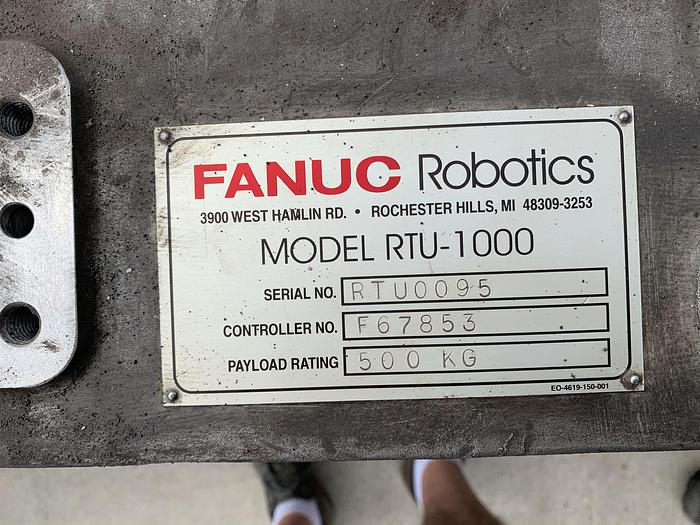 FANUC RTU-1000 7TH AXIS ROBOT TRACK 500KG X 13' TRAVEL