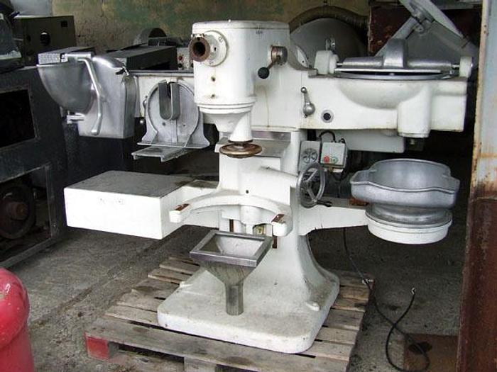 Używane Wielofunkcyjny, kompaktowy zespół masarsko-warzywniczy