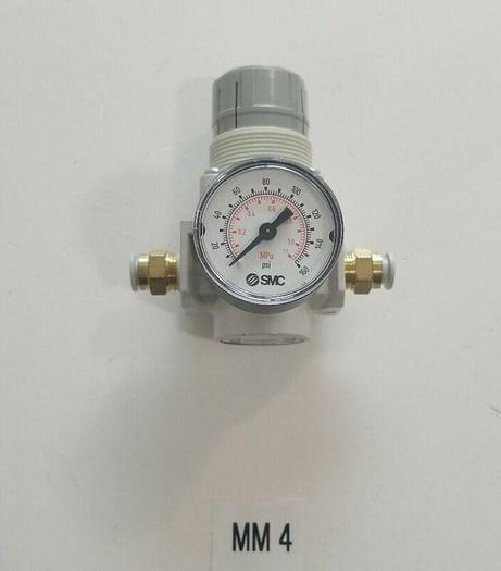 Used *PREOWNED* SMC AR25-02B-A REGULATOR WITH SMC GAUGE + FAST SHIPPING!