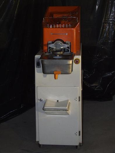 """Używane Automatyczna maszyna do wyciskania soku z pomarańczy """"Juice Tree"""" - USA"""