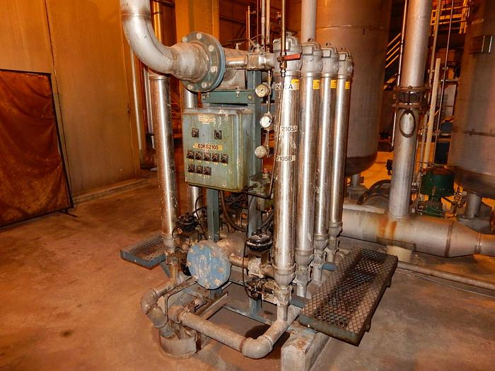 Used ALBANY INTERNATIONAL AES WATER FILTER FOUR CLEANERS