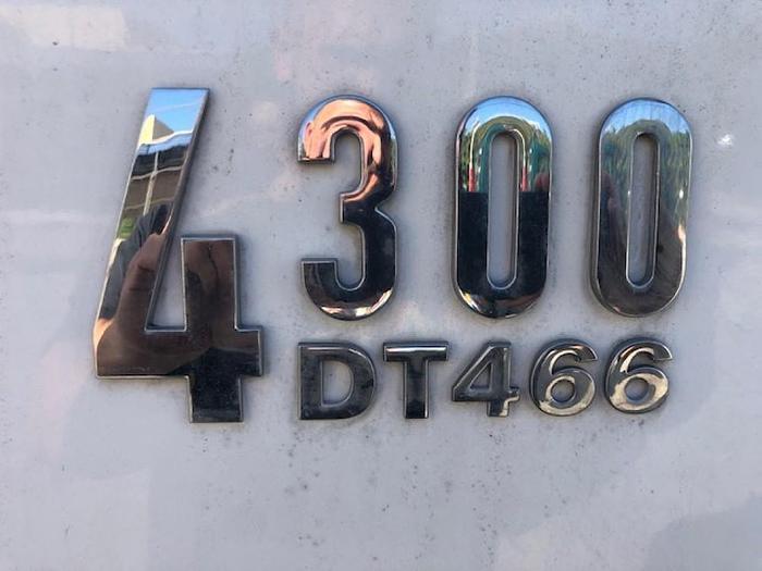 2006 INTERNATIONAL 4300 TRASH DUMP TRUCK